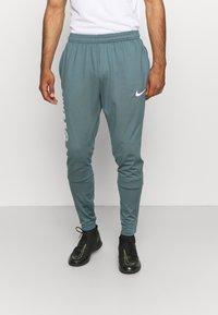 Nike Performance - FC PANT - Teplákové kalhoty - hasta/white - 0