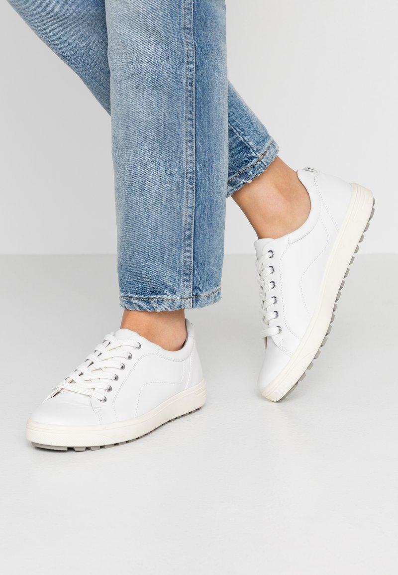 Jana - Casual lace-ups - white