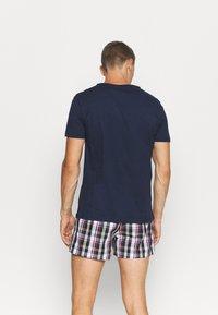 Tommy Hilfiger - TEE LOGO - Pyjamashirt - blue - 2