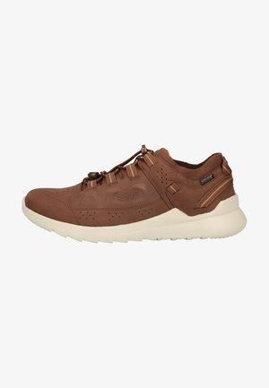 HIGHLAND WP - Walking shoes - chestnut/silver birch