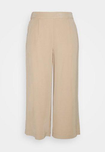 ONLCARISA MAGO LIFE CULOTTE PANT  - Trousers - ginger root
