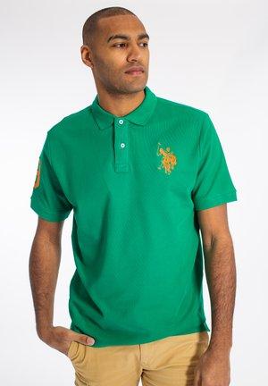 ALFREDO - Piké - golf green