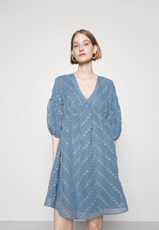 BORAGE SERINE DRESS - Day dress - denim
