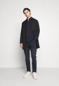 Tommy Jeans - SIMON SKINNY - Jeans Skinny Fit - midnight extra dark blue - 1