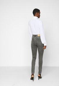 Vero Moda Tall - VMLOA - Jeans Skinny Fit - medium grey denim - 2