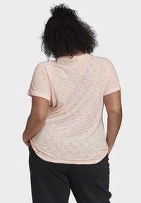adidas Performance - WINNERS SHORT SLEEVE CREW T-SHIRT (PLUS SIZE) - Camiseta estampada - pink - 1