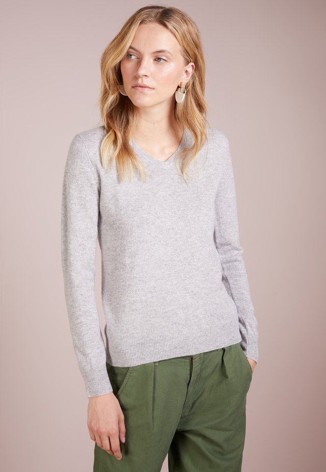 V NECK - Strickpullover - light grey