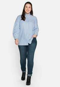 Sheego - Button-down blouse - offwhite gestreift - 1