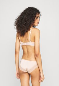 Calvin Klein Underwear - FLIRTY - Slip - honey almond - 2