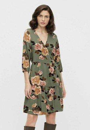 Sukienka letnia - deep lichen green