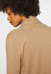 GAP - BELLA THIRD - Kardigan - classic camel - 5