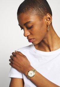 Timex - WATERBURY - Watch - gold-coloured - 0