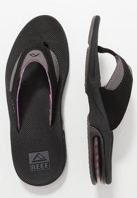 Reef - FANNING - Sandály s odděleným palcem - black/grey - 1