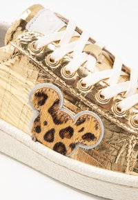 MOA - Master of Arts - Sneaker low - gold - 2