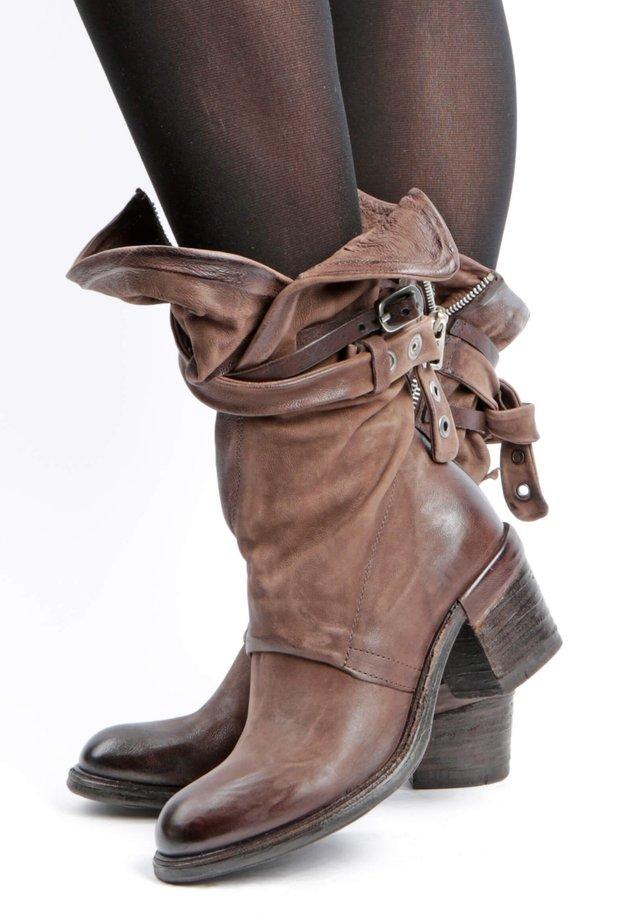 Cowboy- / bikerstøvler - fondente