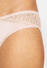 Calvin Klein Underwear - FLIRTY - Slip - honey almond - 4