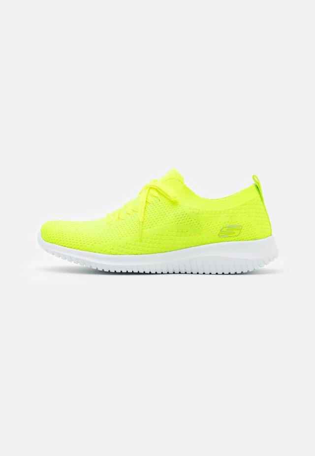 ULTRA FLEX - Loaferit/pistokkaat - neon yellow