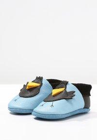 POLOLO - RABE KARL - Chaussons pour bébé - babyblue/nero - 2