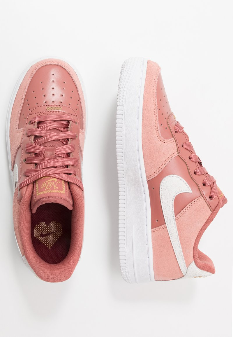 Nike Sportswear - AIR FORCE 1 LV8 V DAY - Trainers - pink quartz/white/canyon pink/metallic gold