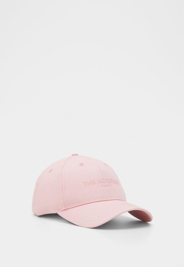 Pet - pink
