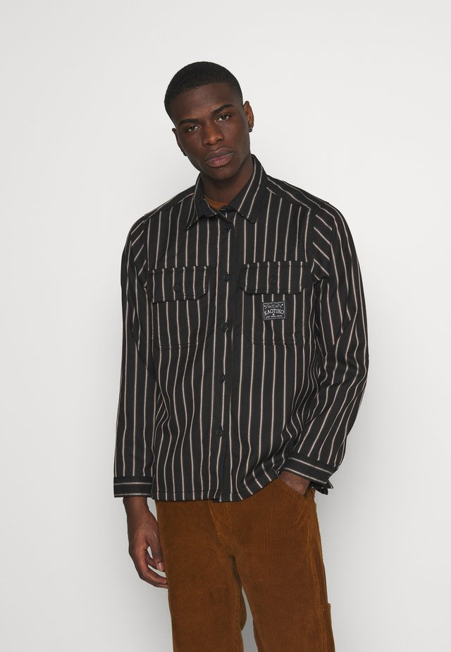 CAMISA STRIPES BROOKLYN - Overhemd - brown