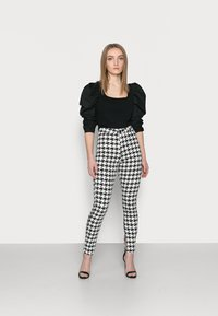 Missguided Petite - DOGTOOTH VICE - Jeans Skinny Fit - multi - 1