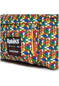 Eastpak - PADDED PAK'R - Rucksack - rubik's color - 4