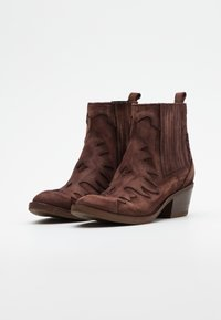 Kanna - Cowboy/biker ankle boot - brown - 2