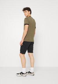Matinique - CARGO - Shorts - dark navy - 2