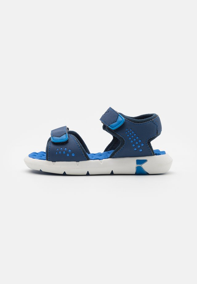 JUMANGAP - Sandalias de senderismo - bleu