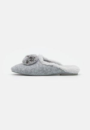 Klapki - light grey