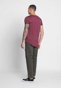 TOM TAILOR DENIM - LONG BASIC WITH LOGO - T-Shirt basic - deep burgundy melange - 2