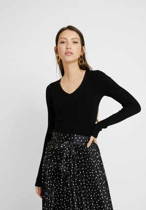 CUFF V NECK - Stickad tröja - black