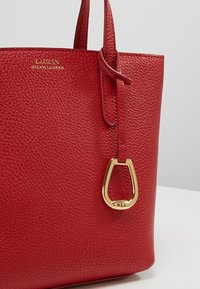 Lauren Ralph Lauren - MINI TOTE CROSSBODY MEDIUM - Kabelka - red/navy - 6