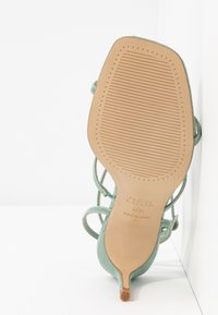 New Look Wide Fit - WIDE FIT TUTTING - Sandalias - light green - 6