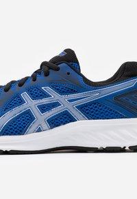 ASICS - JOLT 2 - Chaussures de running neutres - blue/pure silver - 5