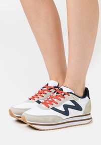 Woden - OLIVIA PLATEAU II - Sneakers basse - bright white - 0