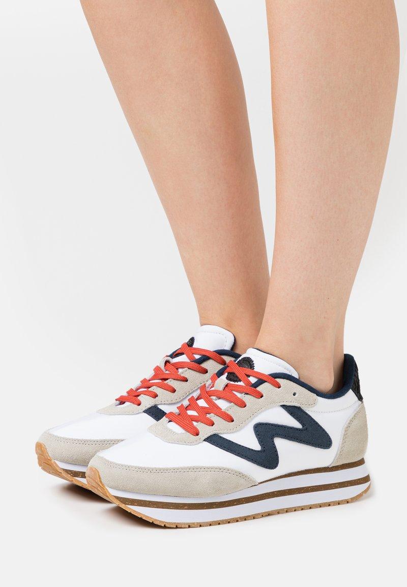 Woden - OLIVIA PLATEAU II - Sneakers basse - bright white