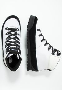 The North Face - M BACK-TO-BERKELEY NL - Schnürstiefelette - white/black - 1