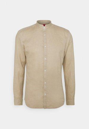 ELVORINI - Košile - medium beige