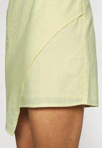 NA-KD - MINI DRESS - Cocktail dress / Party dress - dusty yellow - 4