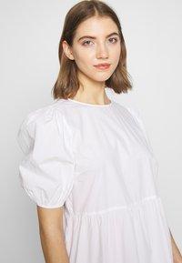 Pieces - PCMELIA MIDI DRESS - Denní šaty - bright white - 4