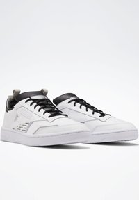 Reebok Classic - CLUB C REE:DUX SHOES - Sneaker low - white - 4