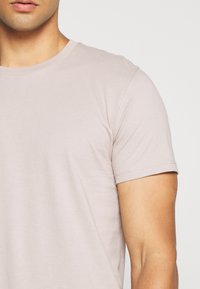 Topman - 7 PACK - Basic T-shirt - pink/white/grey/nature/stone - 7