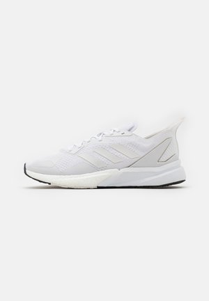 X9000L3 BOOST SPORTS RUNNING SHOES UNISEX - Matalavartiset tennarit - footwear white/crystal white/grey