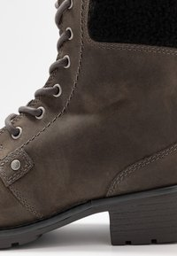 Clarks - ORINOCO DUSK - Lace-up ankle boots - dark grey - 2