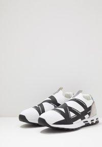 Emporio Armani - Baskets basses - white/black - 2
