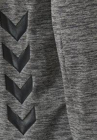 Hummel - HMLSELBY - Bluza z kapturem - dark grey melange - 3