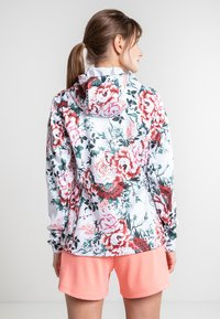 Luhta - ANNIS - Soft shell jacket - raspberry - 3