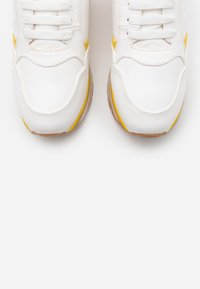 LOVE OUR PLANET by NOVI - HERA - Sneakers basse - white - 5